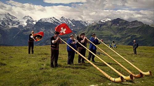 640px-Alphorns_Grindelwald